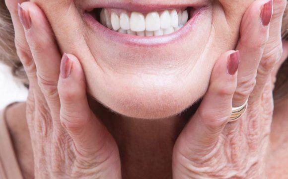 Протезирование при полном отсутствии зубов в Москве